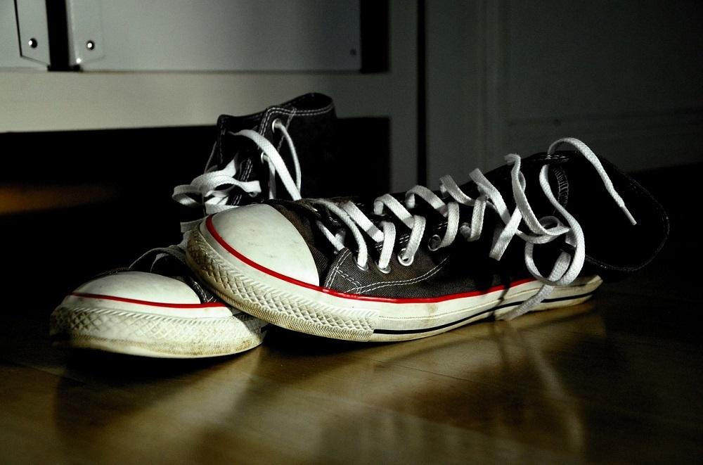 Un ozonizador elimina los malos olores de zapatos y zapatillas