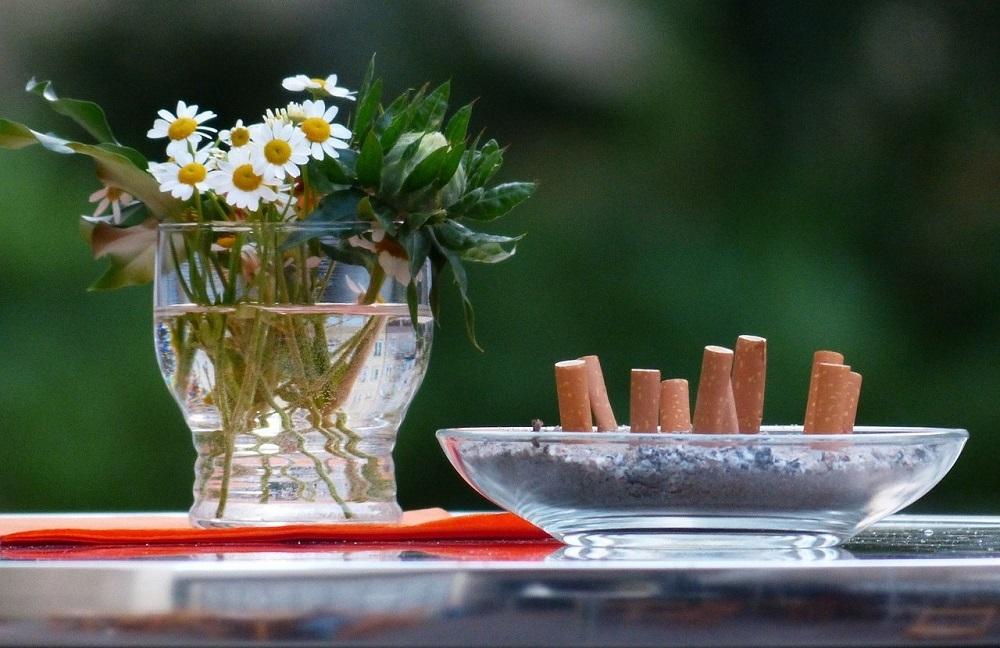 Un ozonizador elimina los malos olores que deja el tabaco en tu hogar