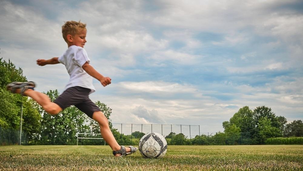 Limpiar pelotas y balones con ozono asegura que los gérmenes y virus no se metan en casa