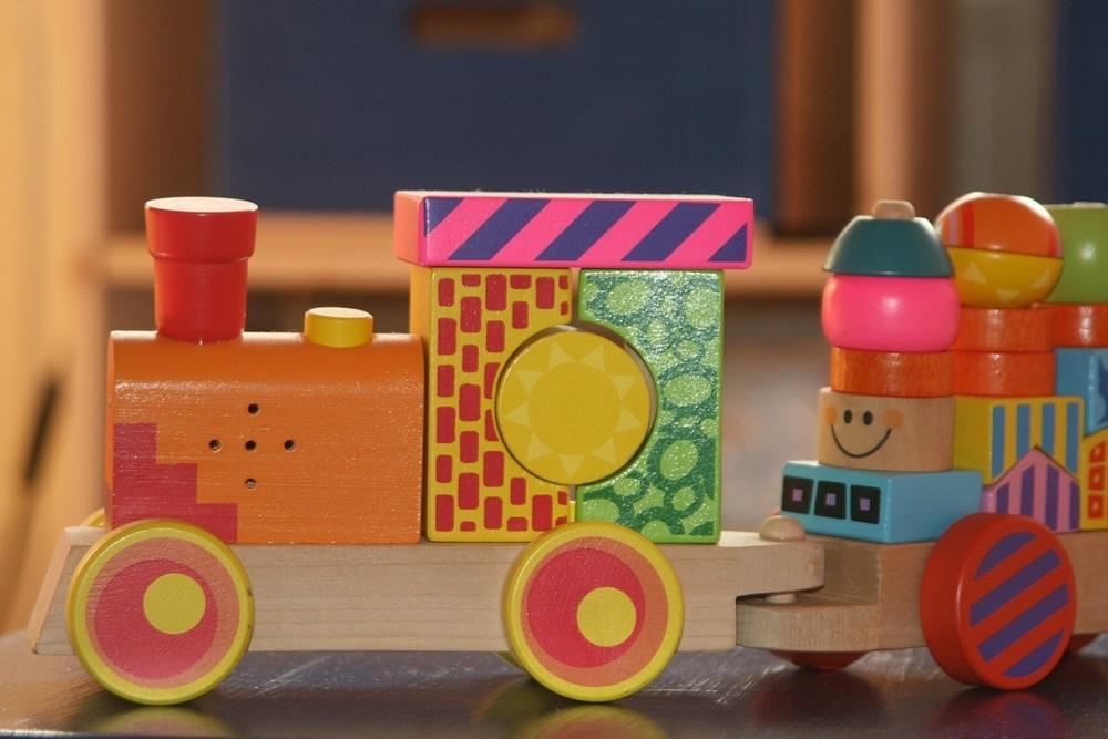 Esterilizar juguetes de madera con ozono garantiza que estén libres de virus y bacterias