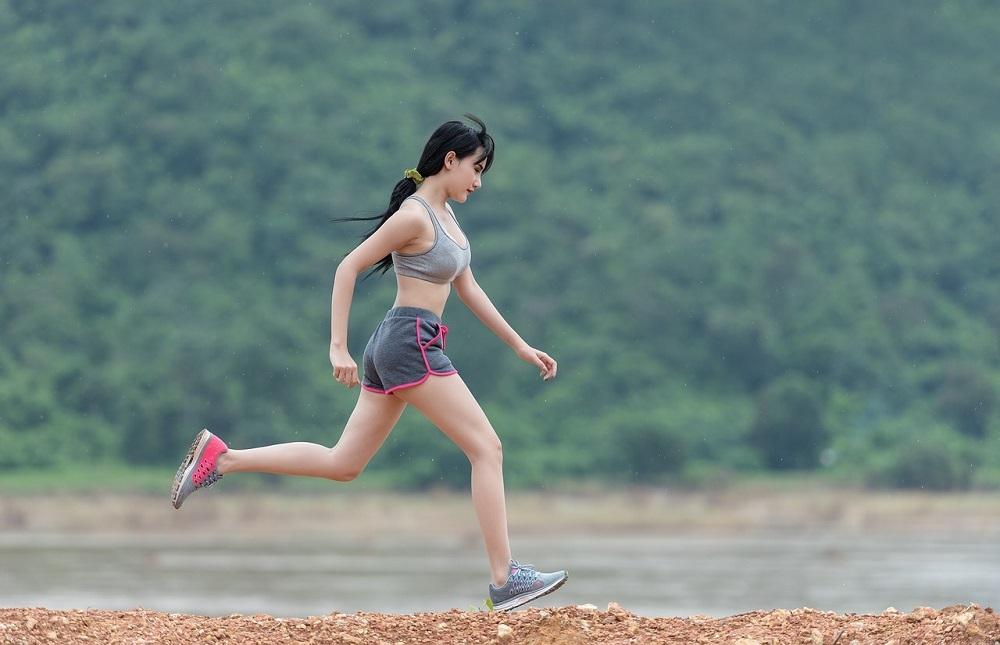 La ropa y las zapatillas de deporte pueden desinfectarse con un generador de ozono doméstico